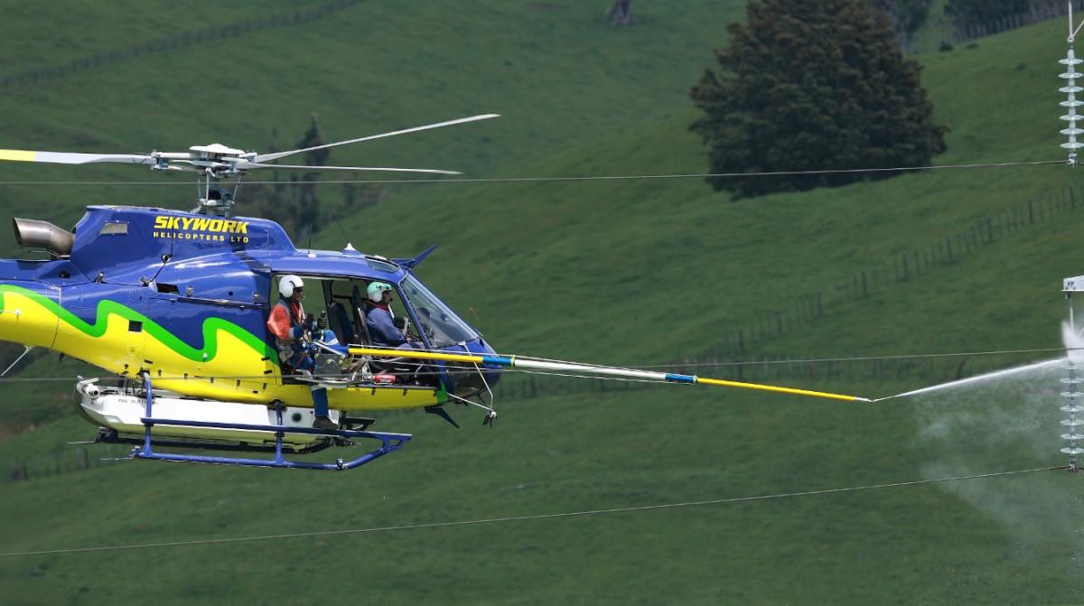 Javelin Helicopter Insulator Washing